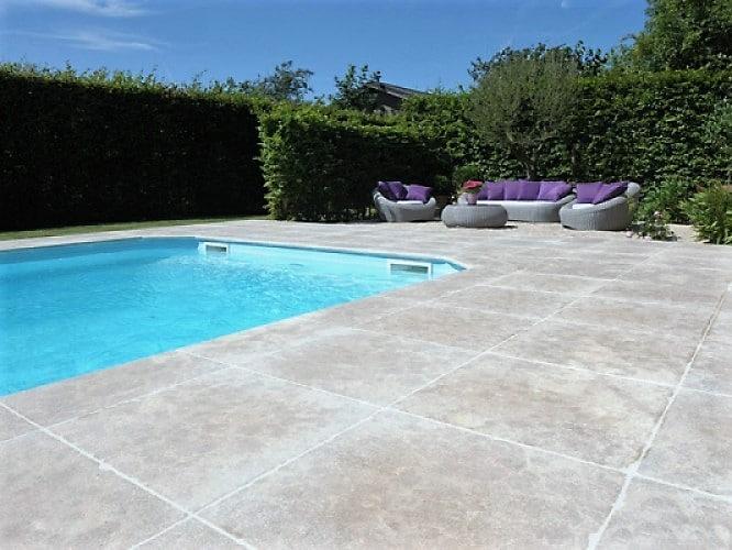 Pierre Calcaire piscine